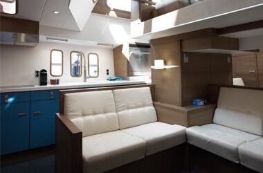 Korvet 14 CLR interior