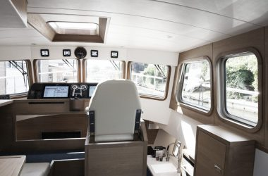 Control Room Korvet Series | Aluminium Luxury Motor Yachts